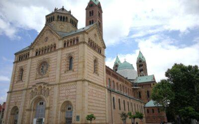 Ein Dom voller Überraschungen: Übermalte Fresken, Risse im Gewölbe